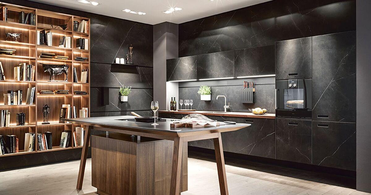 Zwarte marmeren keuken next nx keukenstudio maassluis